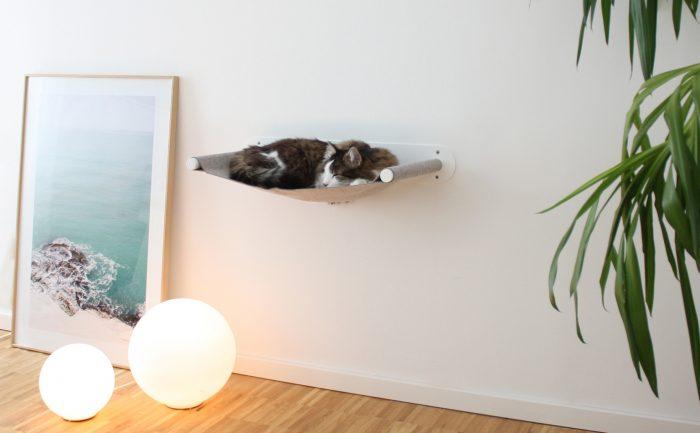Katzenhängematte swing weiß_pet-board_Design Sebastian Frank